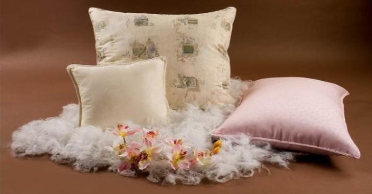 Как постирать пуховые подушки в домашних условиях?